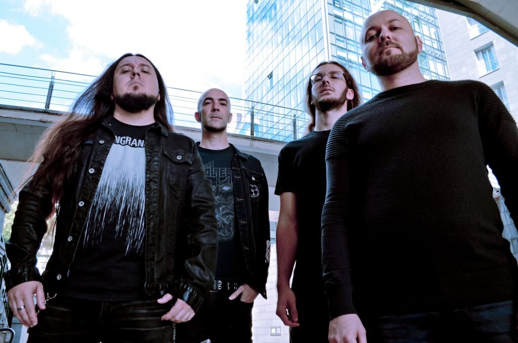 Wormed Band